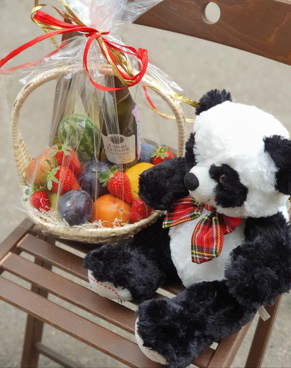 Корзинка с фруктами и шампанским, игрушка Медвежонок